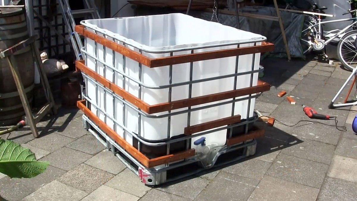 Емкостях из пластика с двойным дном для хранения дизтоплива в коттедже