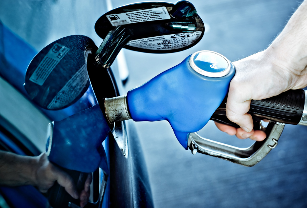 Заправка авто дизельным топливом