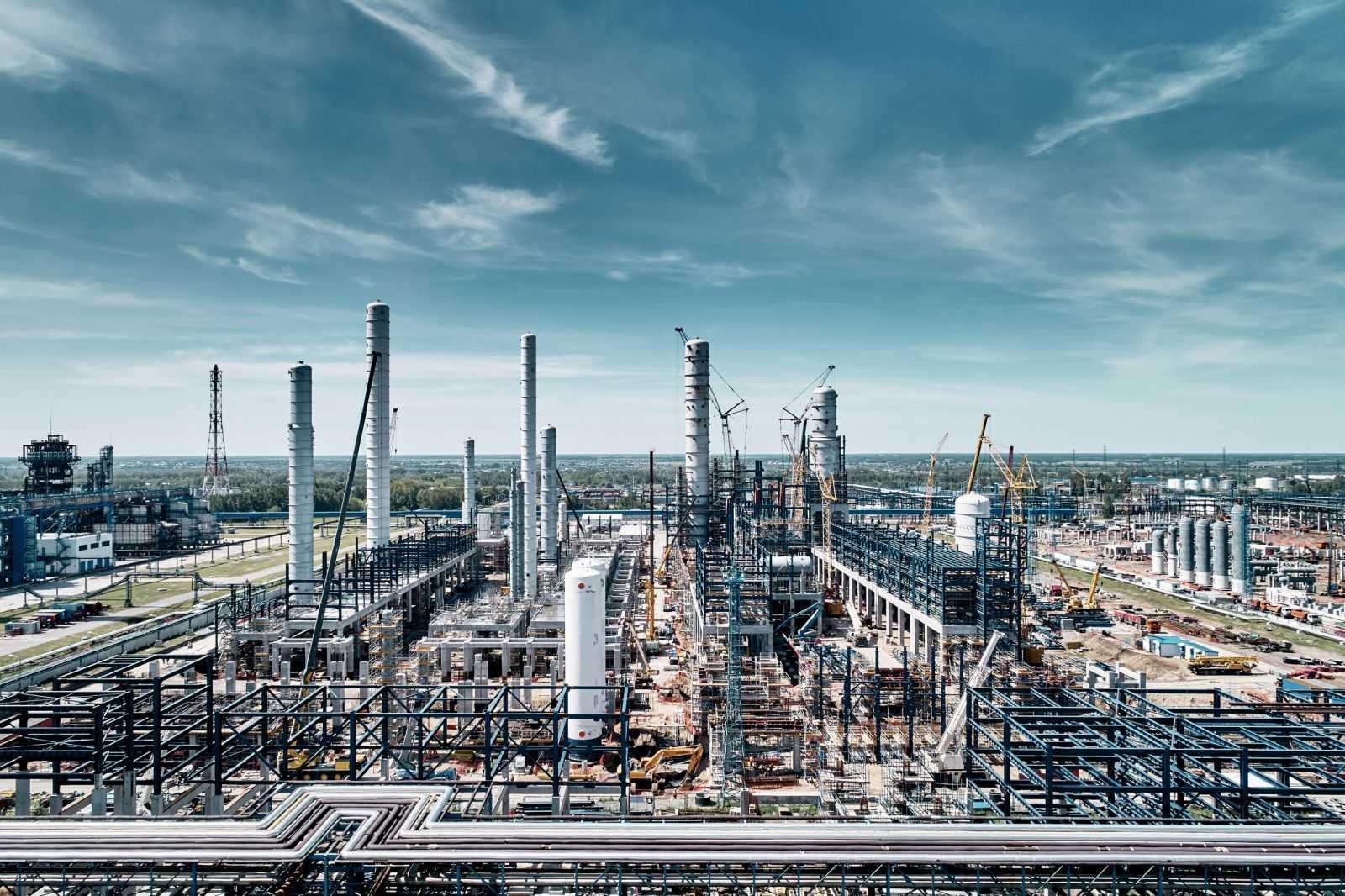 Оптово-розничная реализация нефтепродуктов с доставкой по всей России